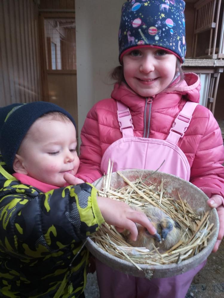 Lukas-und-Luisa-Janker-mit-ihren-Tauben